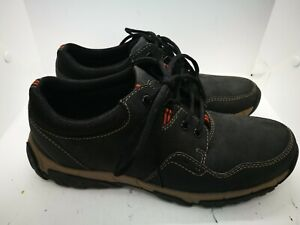 Clarks cushion soft waterproof  leather shoes  size 8