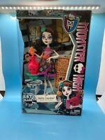 Monster High Skelita Calaveras Art Class Doll (Discontinued by Mattel)