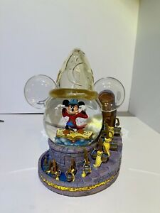 DISNEY  SORCERER MICKEY SNOW-GLOBE  2003