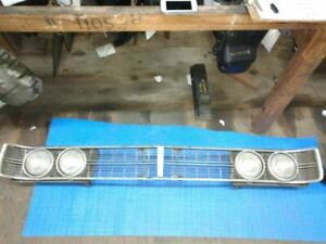 GRILLE EXPOSED HEADLAMPS FITS 70 FORD PASS. 14194