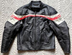 DAINESE MENS BLACK LEATHER MOTORCYCLE JACKET - SIZE UK 44 / EU 54 - SUPERB
