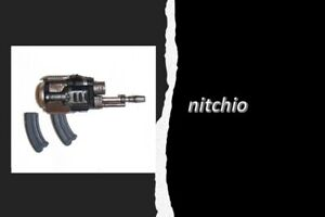 Mezco One:12 KGBeast – PROSTHETIC GUN WITH 2 REMOVABLE MAGAZINE CLIPS