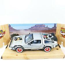 1/24 COCHE CAR DeLOREAN TIME MACHINE III BACK TO THE FUTURE WELLY
