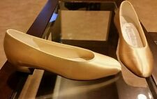 Low (3/4 in. to 1 1/2 in.) Unbranded Heels for Women