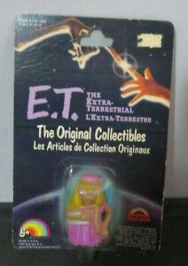 ET Original Collectibles figure 1982 moc ET in dress - Bilingual card LJN