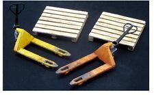 J's Work #PPA4003 1/35 Pallet Trucks (2pcs) with Wooden Pallets (2pcs)