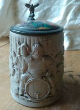 Chope Allemande 1/2L couvercle porcelaine peinte; décor vigne Bacchus?