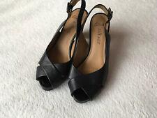 Ladies Size 5.5 Clarks Softwear Black Leather Cross Strap Shoes ⭐️Excellent ⭐️