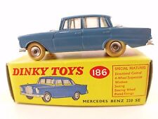 Dinky Toys GB n° 186 Mercedes Benz 220 SE jamais joué never played in box boite