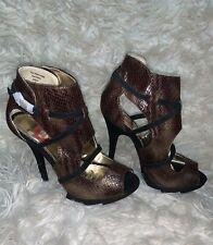 Women high Heels by Red Circle Size 5.5 snakeskin (Metallic)