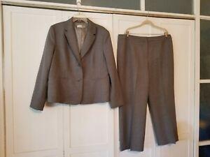 Kasper Grey Suit Jacket & Matching Pants Size 18 EUC