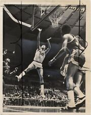 1971 BASKETBALL PHOTO HOFSTRA VS ORAL  ROBERTS DALE DAVIS SCORES