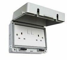 Outdoor Double Socket Weatherproof 2 Gang Twin Switch with Lockable Lid IP65