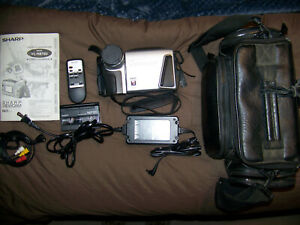 Sharp Viewcam VL-H870U Hi8 8MM Camcorder Player w/ Case, Remote, Video Cables