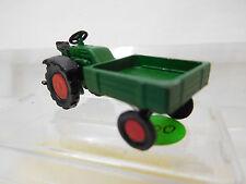 eso-3001:87 Traktor mit Pritsche Metallguß mit kleine Farbschäden