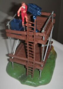 SCALEXTRIC TELEVISION TOWER BUILDING WITH CAMERAMAN LADDER SCARCE BASE