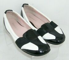 Taryn Rose Taurus black white patent leather arch support slip on loafers 8M
