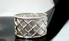 Silver Tone Metal Criss Cross  Waffle Design Fashion Bangle Bracelet NEW