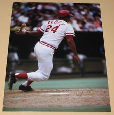 Tony Perez Cincinnati Reds unsigned color photo 8x10
