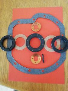 "MGB seal & anti ""clonk"" kit for Tube rear axles (3 sls,1 gsk,4 thr wshr,1 pin)."