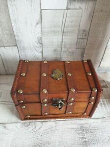 Hufflepuff Hogwarts Potion Bottles horcrux jewels necklace potter box chest.