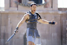 Russell Crowe Gladiator 18x24 Poster Sword In Arena