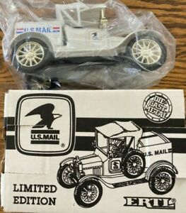 """Ertl 9843UA 1:25 """"U.S. Mail"""" 1918 Ford Runabout Die Cast Bank in Box with Key"""