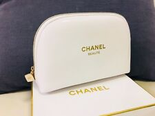 *New CHANEL BEAUTE White Faux Leather Makeup Cosmetic Bag New in Box