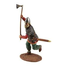 W Britain Soldier 62100 Viking Wearing Spangenhelm Attacking With Ax