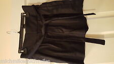 Brand new Very Cute Marc by Marc Jacobs Women Black Linen Double Pleat Shorts 8
