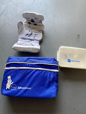 Pillsbury Doughboy Microwave Gift Set-oven Mitt, Lunchbox, And Container