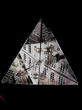 *UNIQUE GLASS PICTURE TRIANGLE MADE FROM CUT LEAD GLASS*