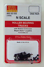 Micro-Trains 00302032 N (1033) Roller Bearing Trucks w/Medium Extension Couplers