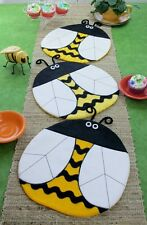 New Table Topper Runner Placemat Pattern   BEE HAPPY