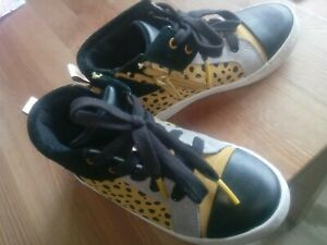 Clarks Child UK 10.5 G boys girls black yellow leopard Hi-top EU 28.5 mint cond