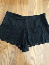 Vintage Womans LBW Sexy Black Lace Trimmed Tap Panties size 8 New