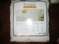 mattress pad Queen Size bed new