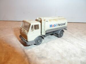 HO SCALE MERCEDES MOBIL OIL TRUCK