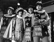GEORGE HARRISON & JOHN LENNON UNSIGNED PHOTO - 5141 - THE BEATLES