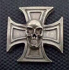 Skull Cross pin pins