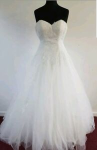 Venus VX8606 Wedding Dress Size 4 Ivory