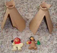 Vintage Lincoln Logs, 4 Pieces 2 Indians, 2 Teepees,    Smoke Free Home