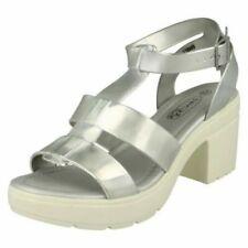 Calzado de mujer de color plata de sintético