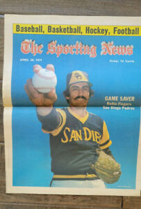 1977 SIGNED AUTO SPORTING NEWS COVER ROLLIE FINGERS PADRES A'S BREWERS HOF