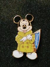 CAST MEMBER ALUMNI CLUB MICKEY IN COAT HOLDING DISNEYLAND BANNER DISNEY PIN