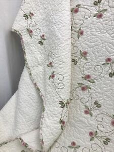 Queen Size Embroidered Farmhouse Quilt SET Pillow Shams Pink Roses Chic Shabby