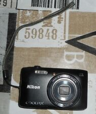 Nikon Coolpix s3600 Digital Camera broken without battery without charger