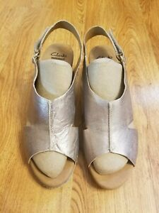 Clark's Collection Womens Gold/ Beige Wedge Slip-On  Sandals Size 10M