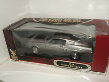 Road Signature 92168, 1968 Shelby GT-500KR Diecast Model in 1:18 Scale.