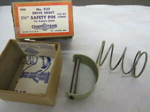 1935 1936 Ford accessory drive shaft safety pin    C-3-9